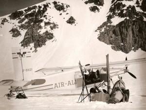 Pilatus PC-6 F-BKQY en ravitaillement refuge