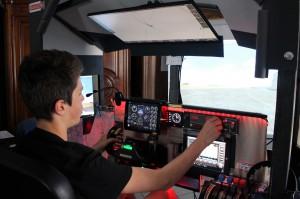 Simulateur de vol pour passer de la théorie à la pratique.